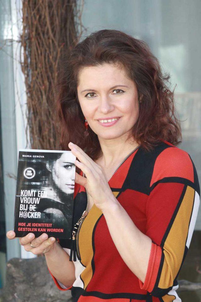 Lezing van Maria Genova, schrijfster van Komt een vrouw bij de hacker, bij ZaanLinQ op 11 februari 2020.